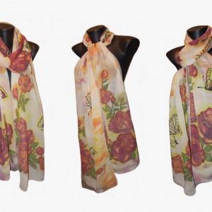 """Ръчно рисуван копринен шал """"Долината на дивите рози """""""