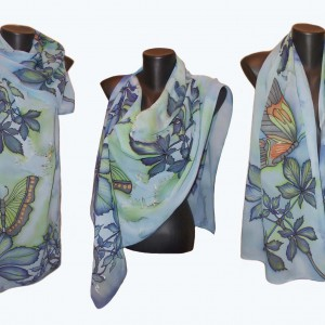 """Ръчно рисуван копринен шал """"Кестени и пеперуди в синьо"""".Материал:шифон.Размери 140 см х 40 см"""