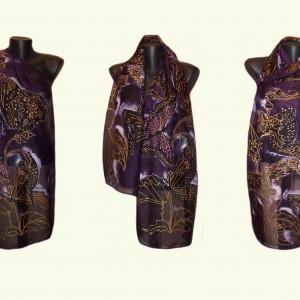 Ръчно рисуван копринен шал  Нощтни пеперуди в лилаво     200