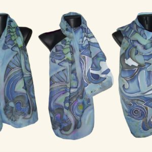 Ръчно рисуван копринен шал Рапсодия в синьо 72